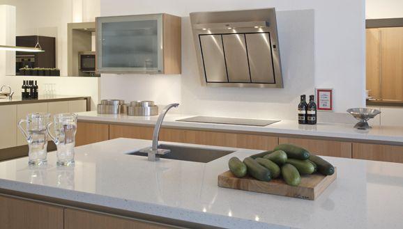 Design Handdoekenrek Keuken : Zeer exclusieve keuken met greeplijsten ...