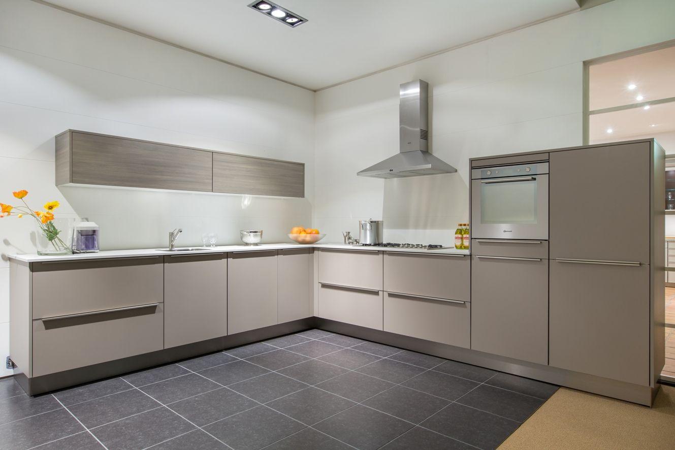 Siematic showroomkeukens siematic showroomkeuken aanbiedingen luxe siematic design - Decoratie design keuken ...