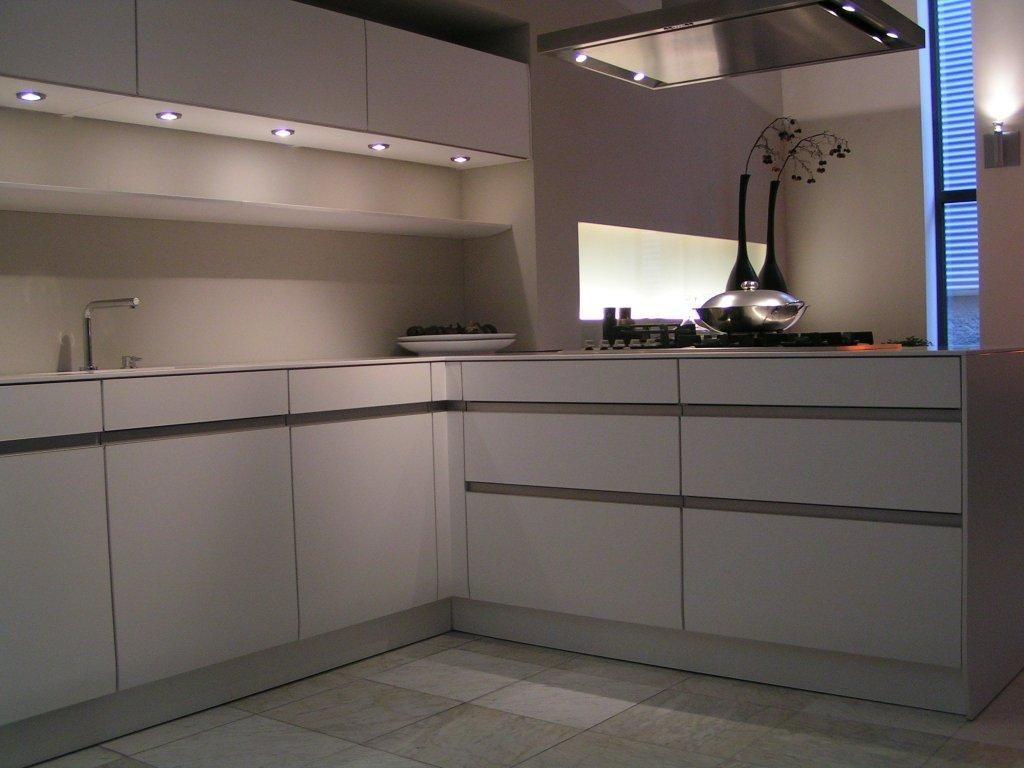 Keuken Zwart Mat : aanbiedingen SieMatic SC 6006 KM Lotuswit mat en zwart mat [43818