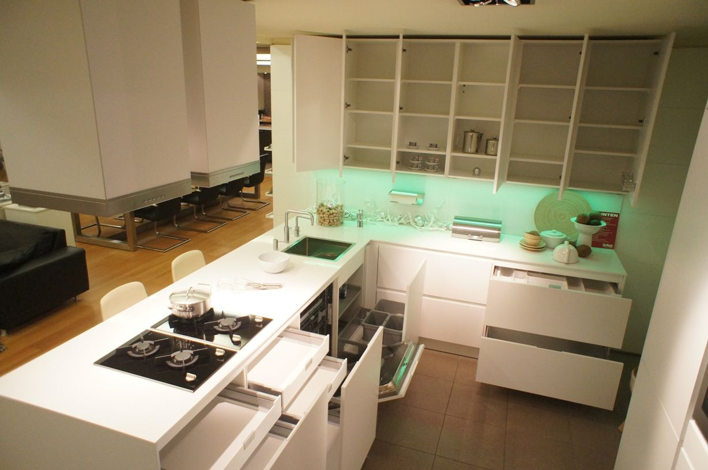 Siematic showroomkeukens siematic showroomkeuken aanbiedingen siematic luxe design greeploze - Model keuken wit gelakt ...