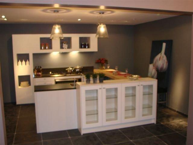 Siematic showroomkeukens siematic showroomkeuken aanbiedingen siematic keuken landelijke - Keuken muur kleur idee ...