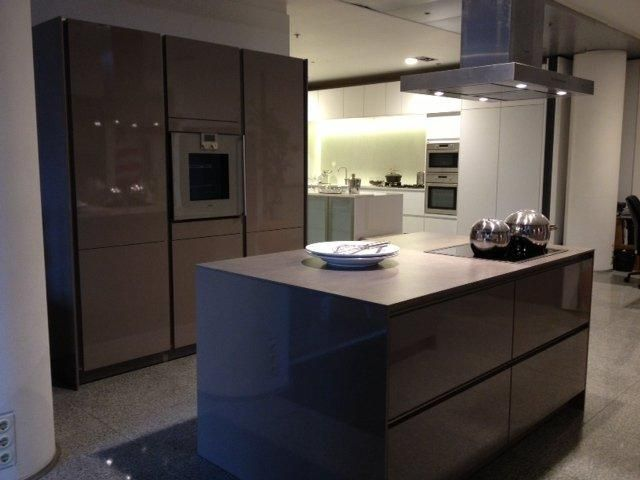 Keuken Afmetingen : aanbiedingen Luxe trendy SieMatic design greeploze keuken [48616