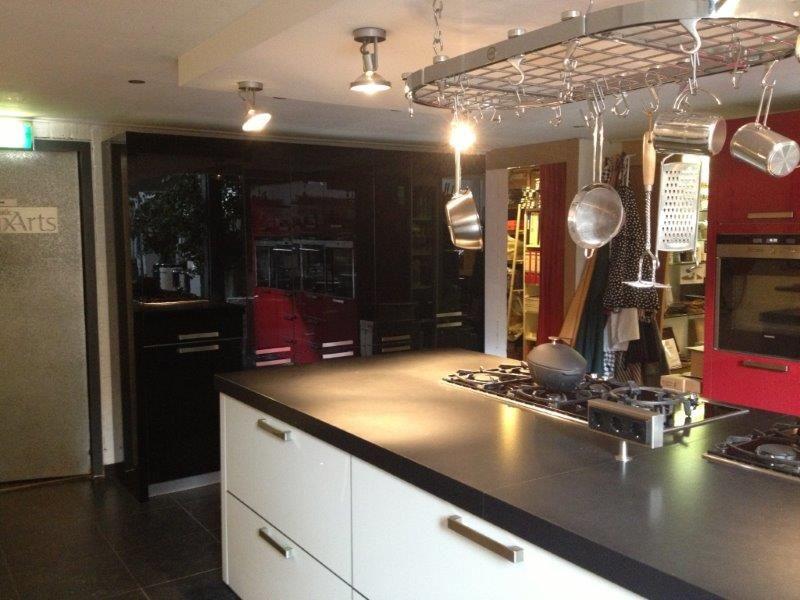 Grote Showroom Keukens : SieMatic Showroomkeukens Siematic showroomkeuken