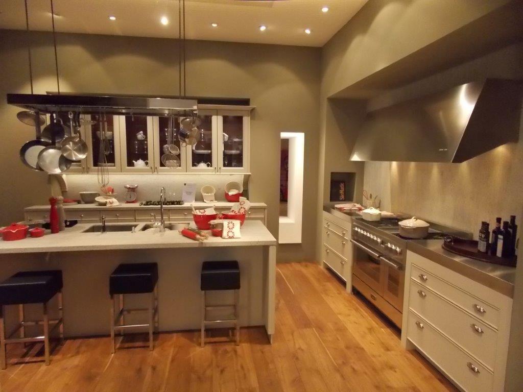 Siematic showroomkeukens siematic showroomkeuken aanbiedingen siematic unieke klassieke - Keuken eiland goedkoop ...