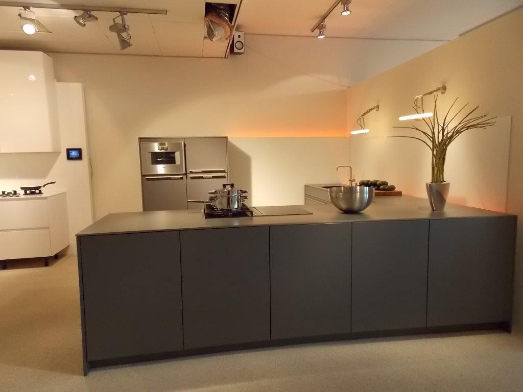 Kleine Keuken L Vorm : Kleine Keuken L Vorm : SieMatic Design keuken met apparatuur van
