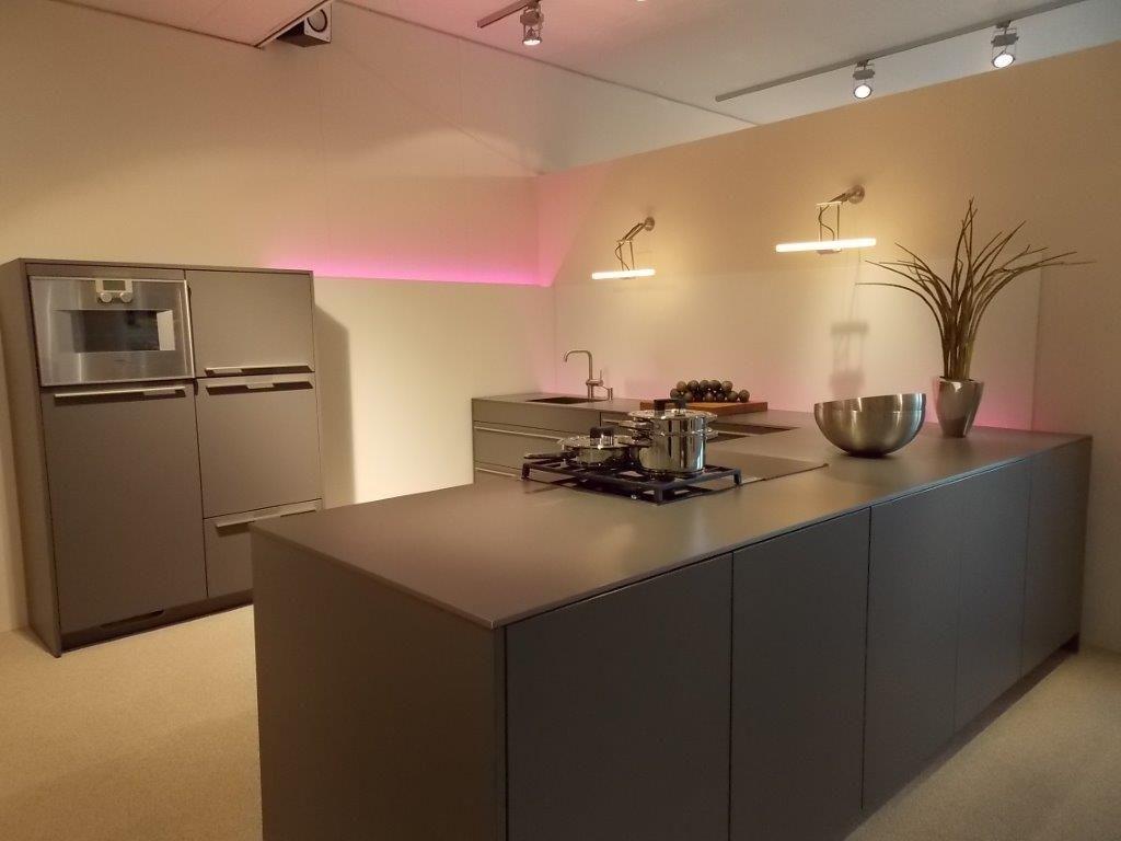 siematic showroomkeukens siematic showroomkeuken aanbiedingen siematic design keuken met. Black Bedroom Furniture Sets. Home Design Ideas